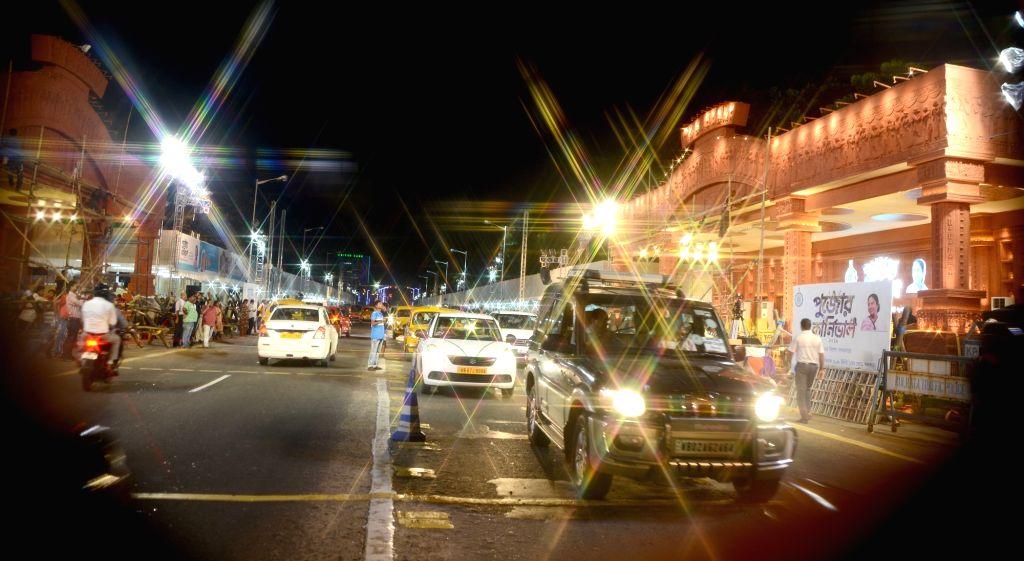 Kolkata: Preparations for Durga Puja carnival underway at Red Road in Kolkata on Oct 10, 2019. (Photo: IANS)