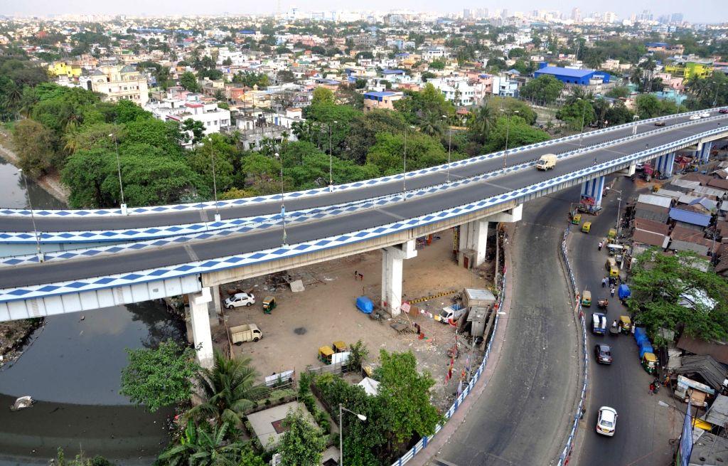 Kolkata roads bear a deserted look amid COVID-19 (Coronavirus) pandemic, on March 21, 2020.