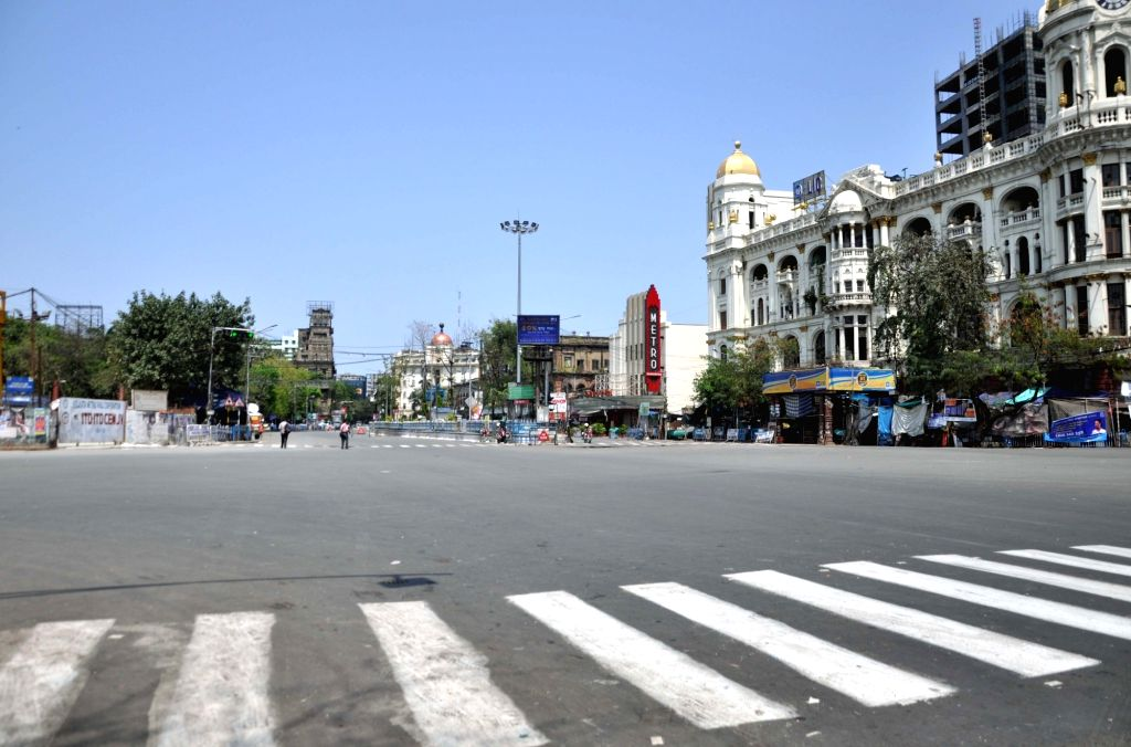 Kolkata's Esplanade area comes at a standstill during Prime minister Narendra Modi???s call to observe a nationwide shutdown - Janata Curfew - as a measure to contain te spread of COVID 19 ... - Narendra Modi