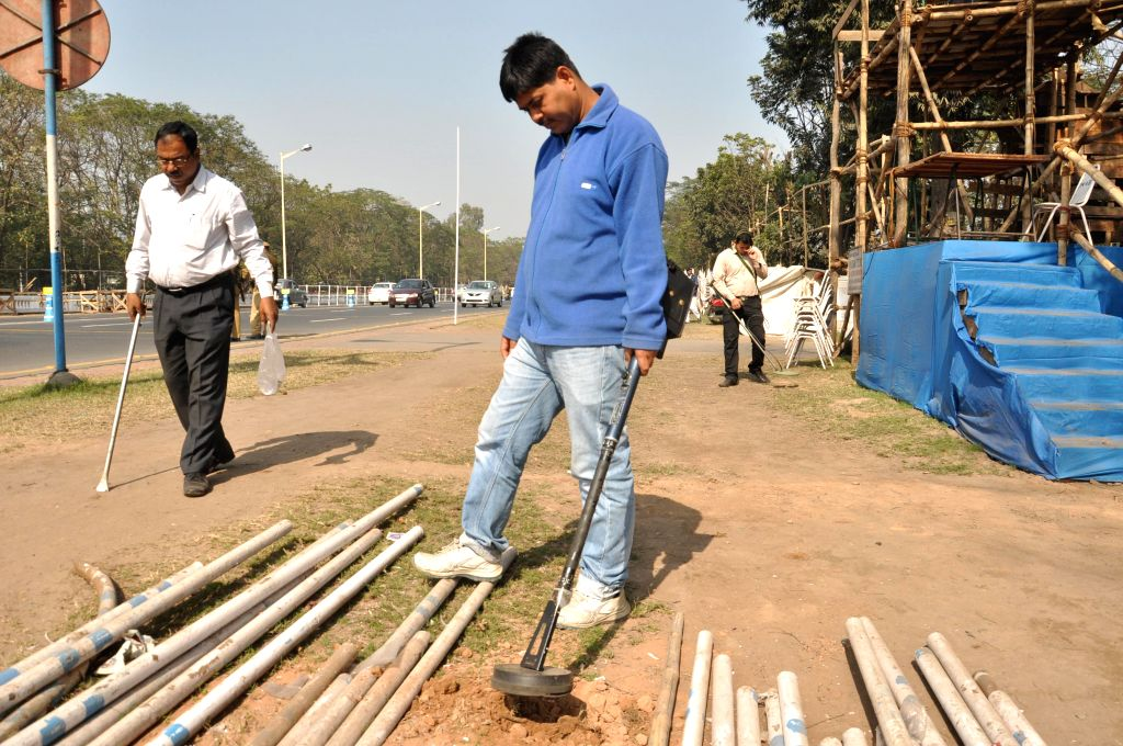 Security checks being carried out at the venue of Netaji Subhash Chandra Bose's birth anniversary celebrations in Kolkata, on Jan 21, 2015.
