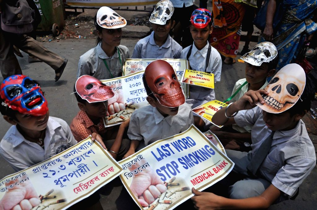 Kolkata: Students participate in an awareness rally on World No-Tobacco Day, in Kolkata on May 31, 2019. (Photo: Kuntal Chakrabarty/IANS)