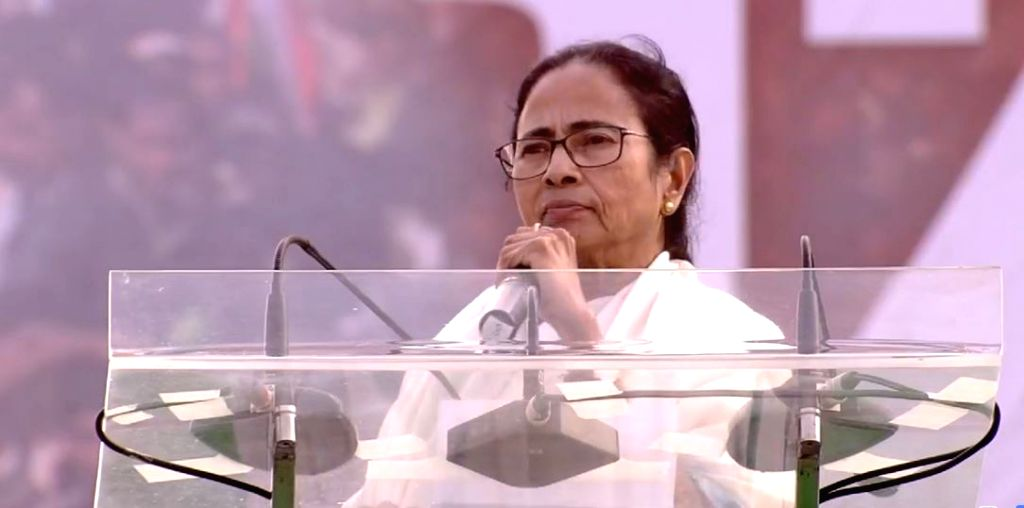 Kolkata: TMC supremo Mamata Banerjee addresses during United India Rally at Brigade Parade Ground in Kolkata, on Jan 19, 2019. (Photo: IANS/TMC) - Mamata Banerjee