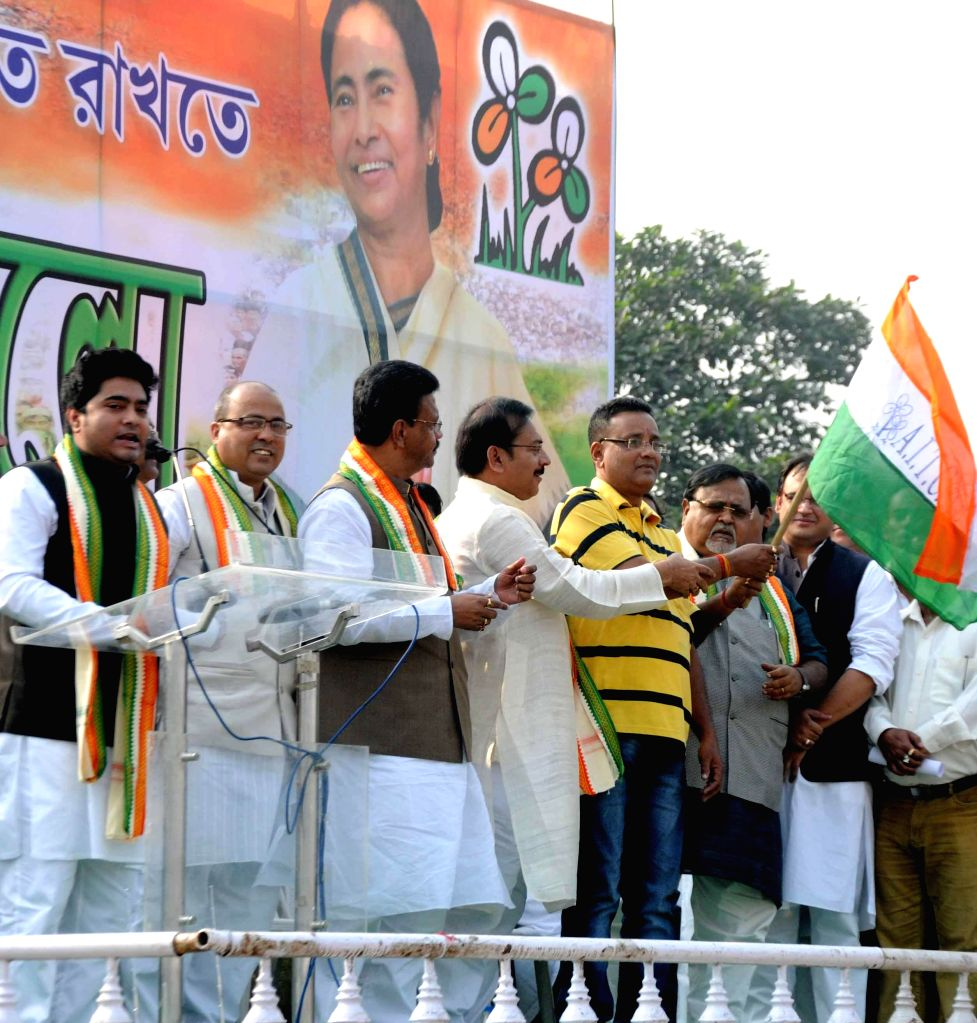 Trinamool Congress leaders participate in a rally organised by party's youth wing in Kolkata, on Dec 1, 2014.
