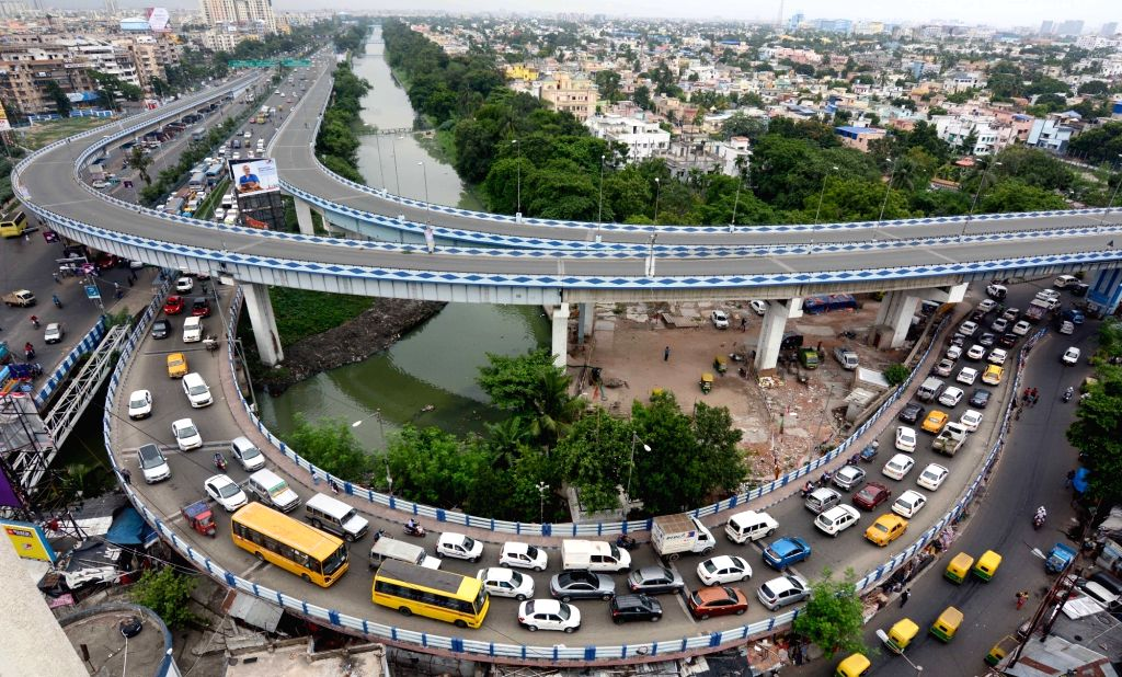 Kolkata: Vehicular movement has been suspended on Ultadanga flyover after cracks were seen in one of the piers, in Kolkata on July 10, 2019. (Photo:  Kuntal Chakrabarty/IANS)