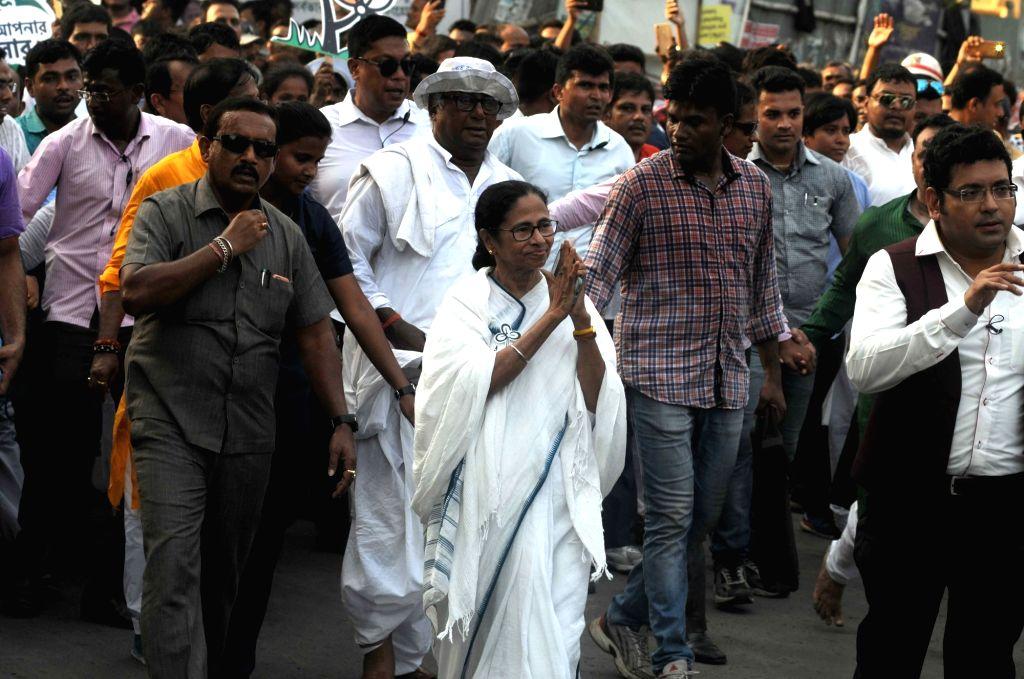 Kolkata: West Bengal Chief Minister and Trinamool Congress (TMC) supremo Mamata Banerjee during an election campaign for the forthcoming Lok Sabha polls in Kolkata, on May 10, 2019. (Photo: IANS) - Mamata Banerjee