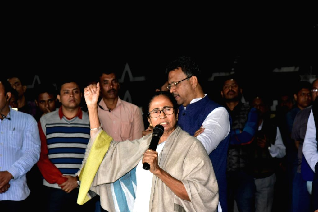 Kolkata: West Bengal Chief Minister Mamata Banerjee addresses media persons outside Kolkata Police Commissioner Rajeev Kumar's official residence in Kolkata on Feb 3, 2019. (Photo: IANS) - Mamata Banerjee