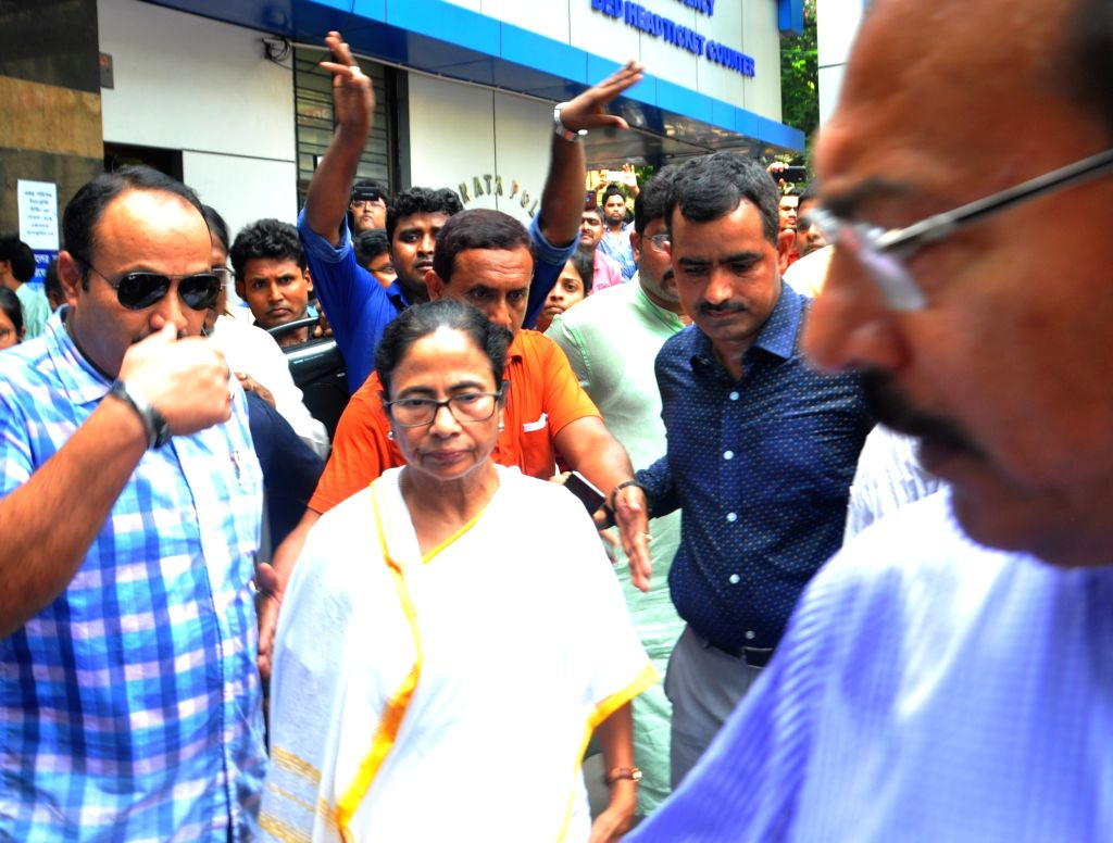 Kolkata: West Bengal Chief Minister Mamata Banerjee during her visit to the state-run Seth Sukhlal Karnani Memorial (SSKM) Hospital where the junior doctors held a strike since the last two days in protest of attack on doctors in another city hospita - Mamata Banerjee