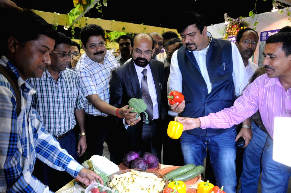 West Bengal Food processing and horticulture minister Krishnendu Narayan Chowdhury and others at the inauguration of three-day long Agri Horti Food Fest 2015 at Netaji Indoor Stadium in ... - Krishnendu Narayan Chowdhury