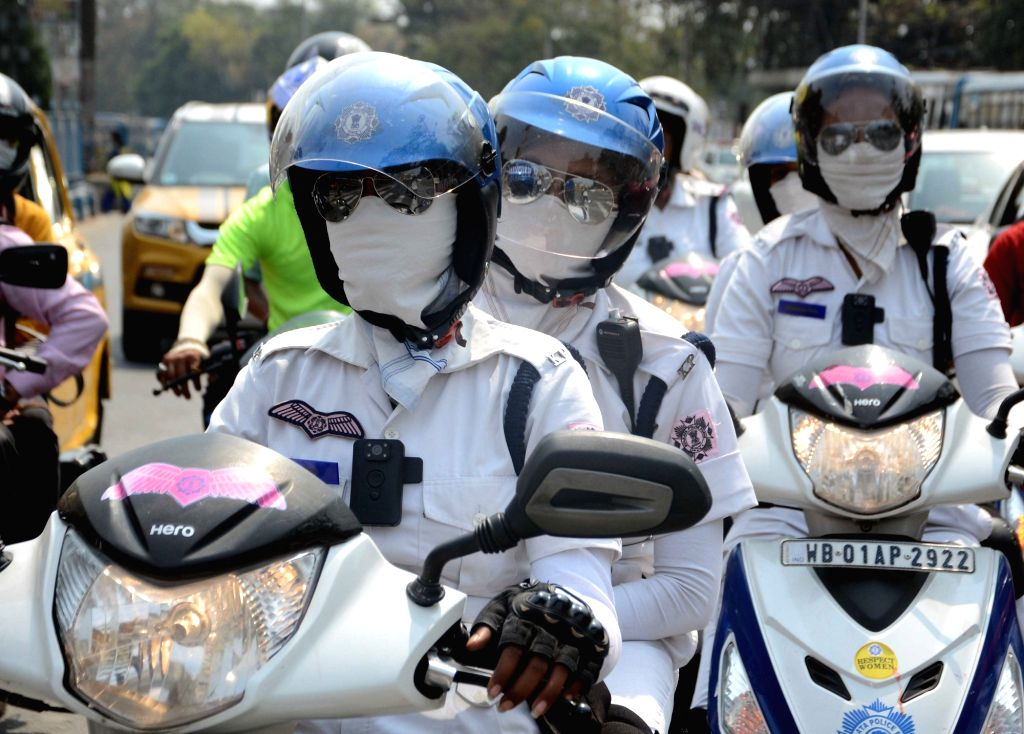 Kolkata women Police personnel wearing mask in Kolkata on March 19, 2020.