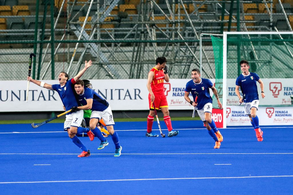 KUALA LUMPUR, April 26, 2019 - Nunez Agustin (1st L) of Italy celebrates a goal with his teammates during the FIH Men's Series Finals Kuala Lumpur 2019 pool B match between China and Italy in Kuala ...