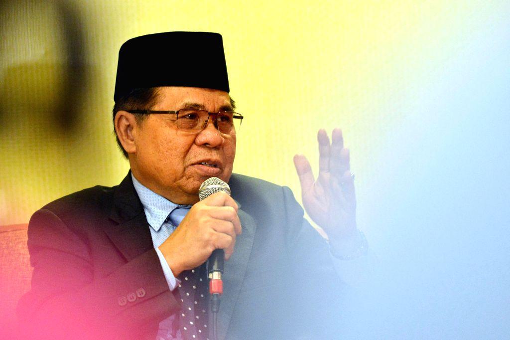 KUALA LUMPUR, Aug. 13, 2016 - Murad Ebrahim, Chairman of Moro Islamic Liberation Front (MILF) speaks during a press conference held in Kuala Lumpur, capital of Malaysia, Aug. 13, 2016. The Philippine ...