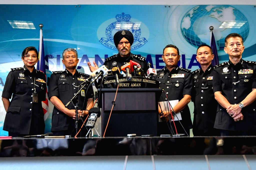 KUALA LUMPUR, May 25, 2018 - Amar Singh, director of the police Commercial Crime Investigation Department, speaks at a press conference in Kuala Lumpur, Malaysia, May 25, 2018. Malaysian police said ... - Najib Razak and Amar Singh