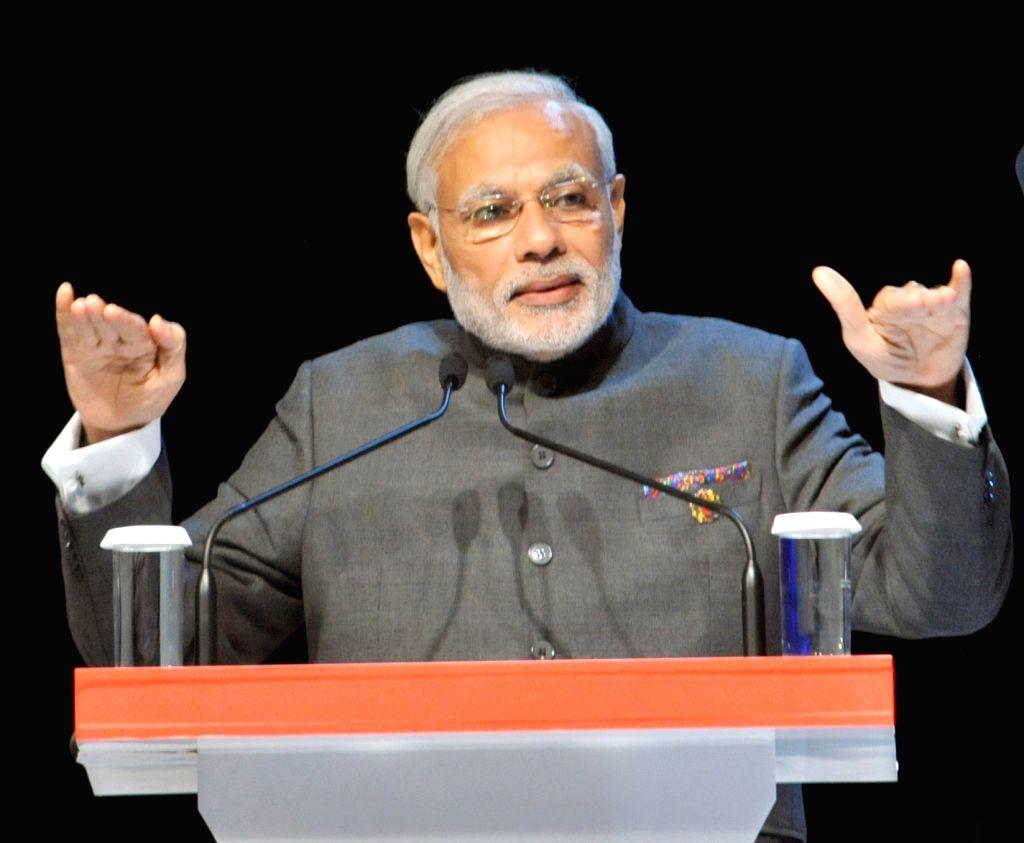 Kuala Lumpur: Prime Minister Narendra Modi addressing at the ASEAN Business and Investment Summit 2015, at Kuala Lumpur, in Malaysia on November 21, 2015. - Narendra Modi