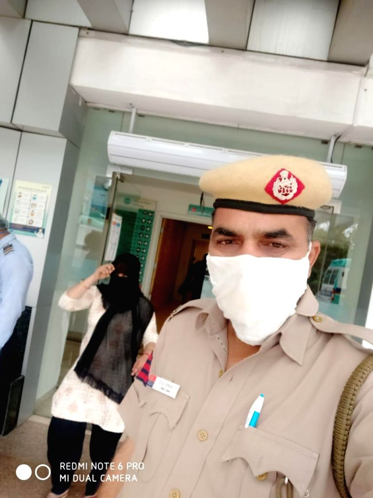 Kunal son of Bhola Shankar resident of village Malikpur near Model Town, Delhi while returning home after having undergone dialysis, suddenly  fell from moving  bike on BRT and sustained injuries. HC ... - Town, Malik and Zile Singh