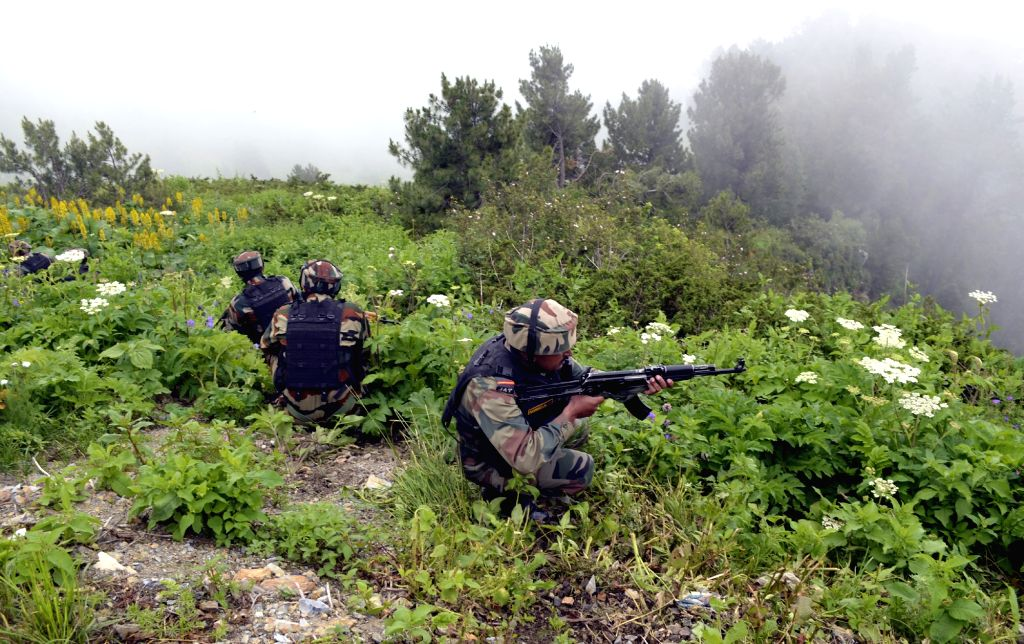 Kupwara: Indian soldiers retaliate as Pakistani troops breach ceasefire at the Line of Control in Nowgam Kupwara sector of Jammu and Kashmir's Kupwara district on Aug 25, 2015. (Photo: IANS)
