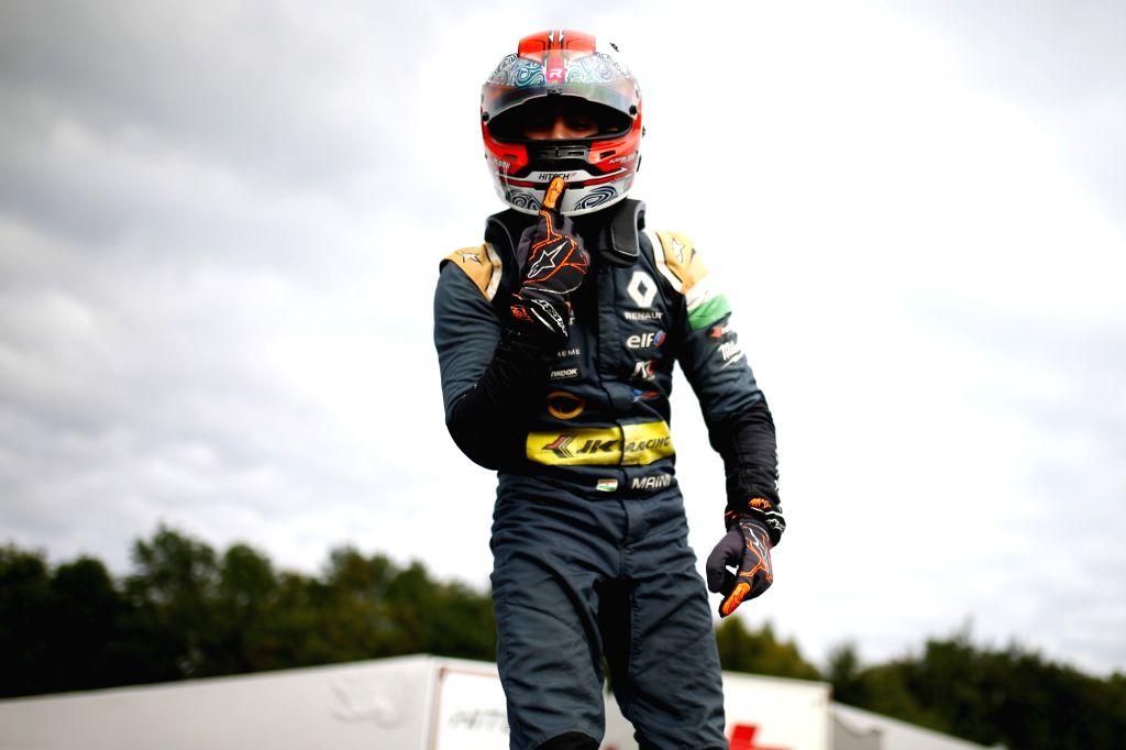 Kush Maini marches to maiden 2020 win in British F3