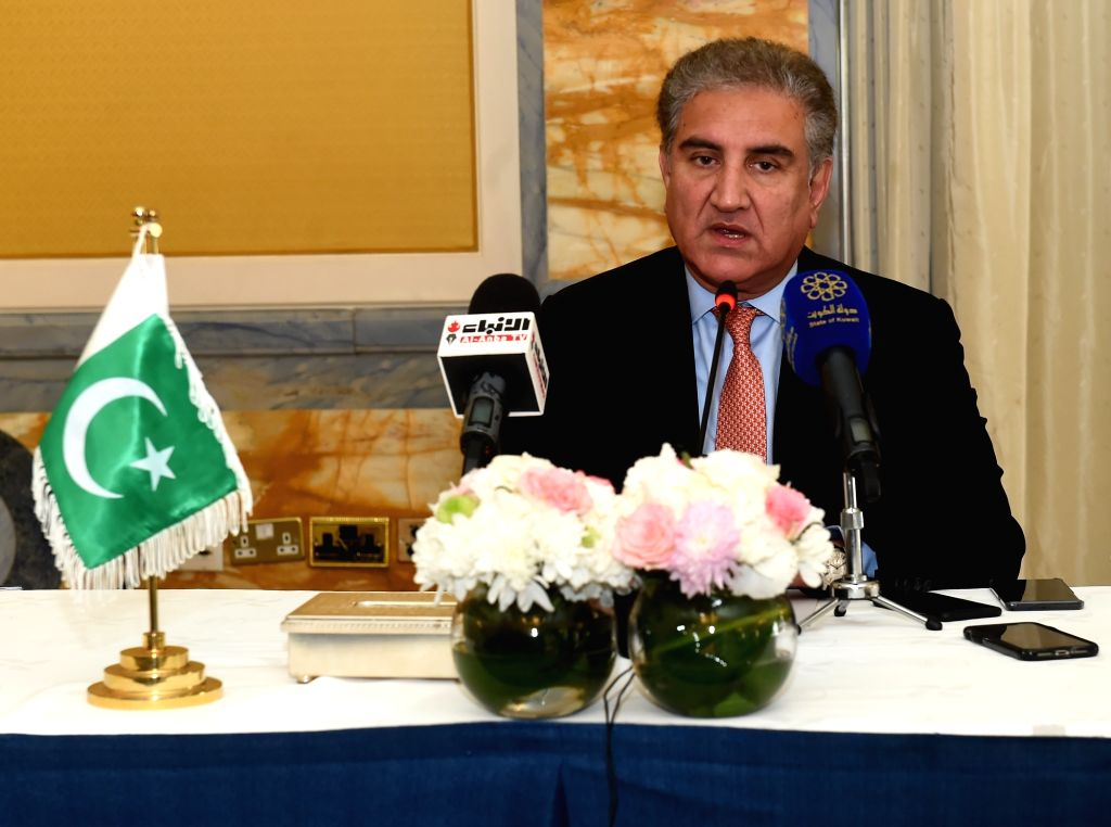 KUWAIT CITY, May 19, 2019 (Xinhua) -- Pakistani Foreign Minister Shah Mahmood Qureshi speaks at a press conference in Kuwait City, Kuwait, on May 19, 2019. Pakistan is ready to facilitate de-escalation of tension in the region and support peace and s - Shah Mahmood Qureshi
