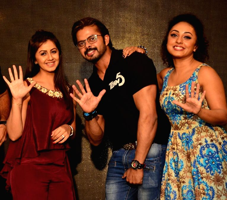 """(L-R) Actors Nikki Galrani, S. Sreesanth and Pearly Maaney during the trailer launch of their upcoming Malayalam film """"Team 5"""". - Nikki Galrani, S. Sreesanth and Pearly Maaney"""