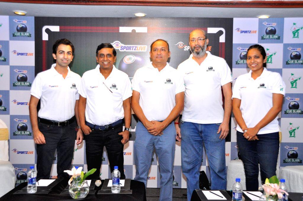 (L-R) Cueist Pankaj Advani, Sportzlive and Entertainment Pvt Ltd Co-founder Prasad Mangipudi, SportzLive MD Atul Pande, BSFI Secretary General Bala Subramaniam and 2013 World Women's ... - Cueist Pankaj Advani