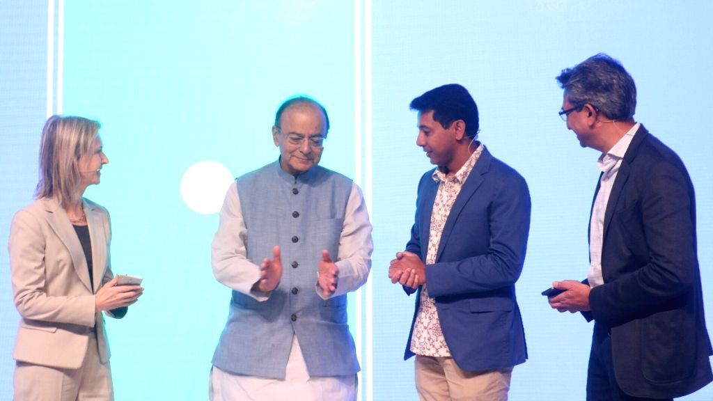 (L-R) Head of Finance and commerce products on Google's Next Billion Users team Vice President Diana Layfield, Union Finance Minister Arun Jaitley, Google Product Management Vice President ... - Arun Jaitley