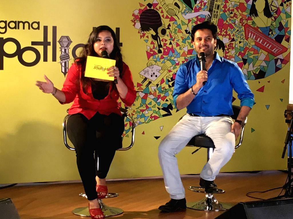 L-R- Rj Urmin with Javed Ali at the Hungama Office