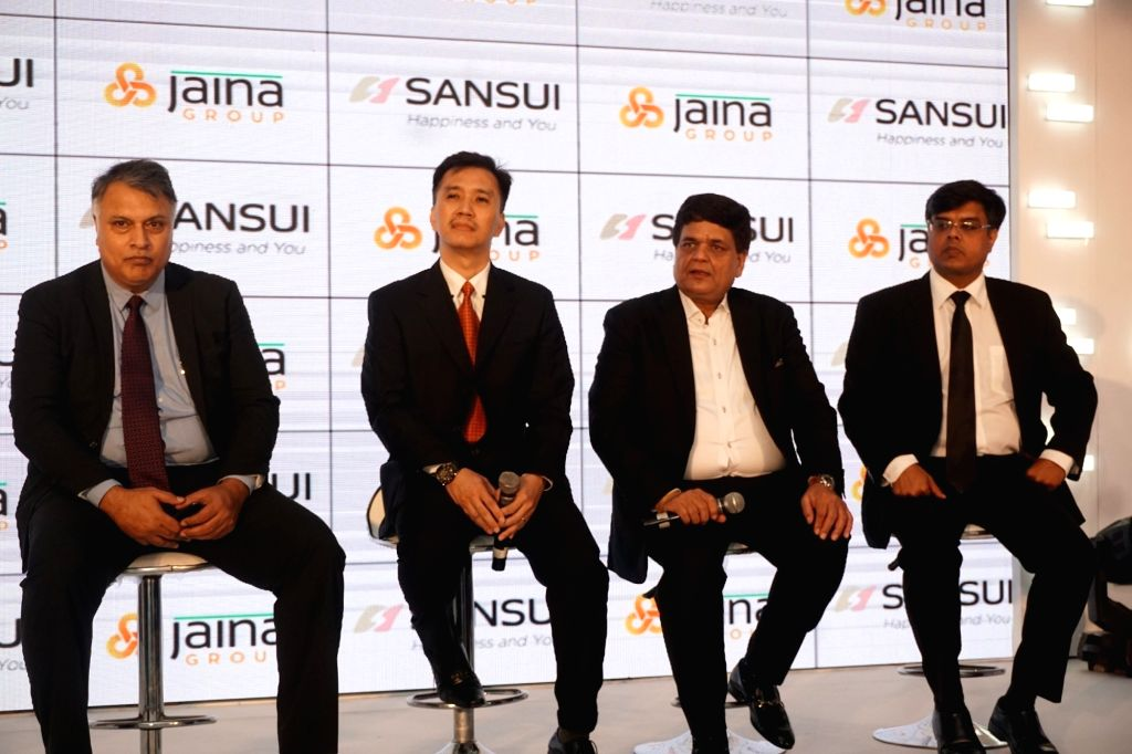 (L to R) Sansui India Business Head Consumer Durable Amitabh Tiwari, Head- Global Licensing Lim Jew Tim, Jaina Group Managing Director Pradeep Jain and Executive Director, Jaina Group and ... - Pradeep Jain