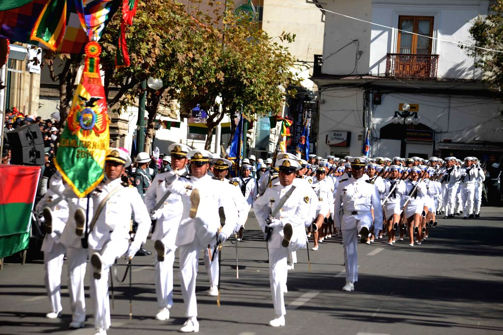 Sailors take part in a parade to commemorate the 189th anniversary of Bolivia's independence at Murillo Square in La Paz, Bolivia, on Aug. 6, 2014. (Xinhua/Government