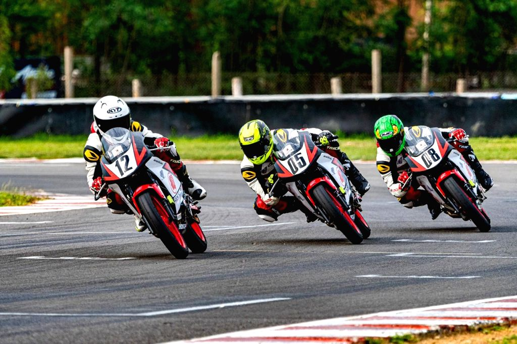 Lal Nunsanga grabs a win in the IDEMITSU Honda India Talent Cup - CBR150R category.