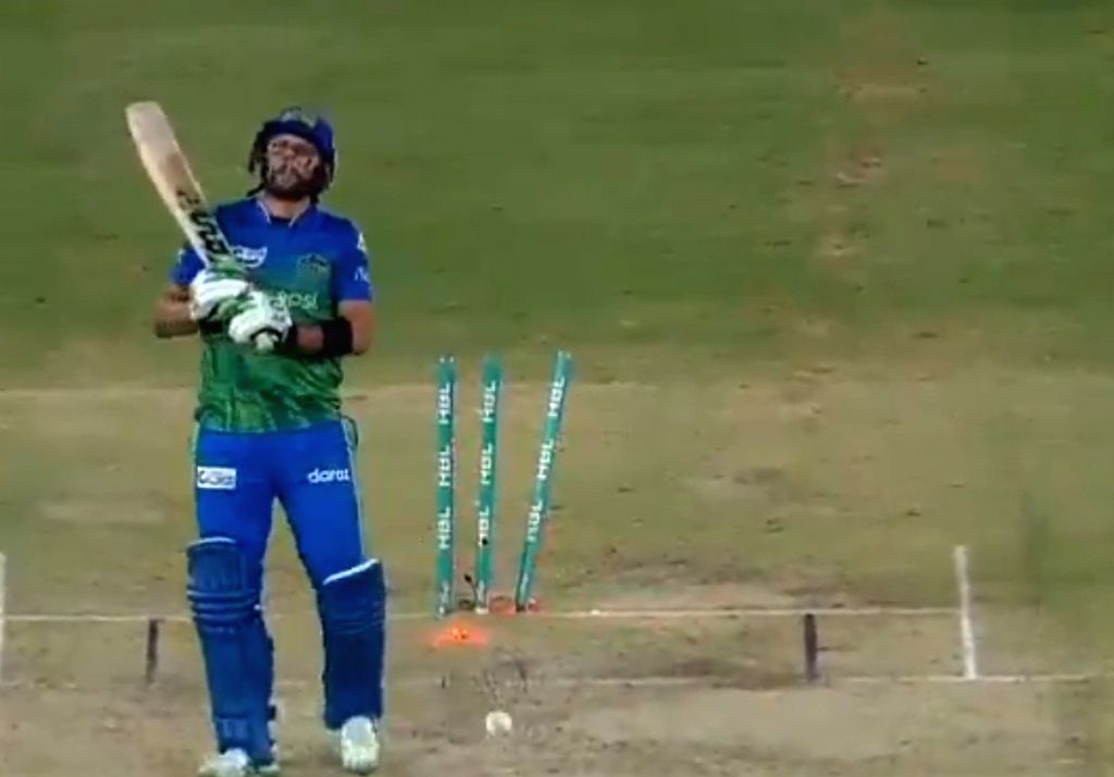 Lala I'm sorry': Rauf apologises to Afridi after dismissing him for duck.