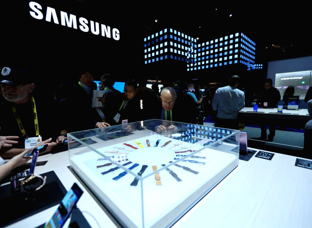 LAS VEGAS, Jan. 9, 2019 (Xinhua) -- People visit Samsung's booth during the Consumer Electronics Show (CES) in Las Vegas, the United States, Jan. 8, 2019. The annual CES kicked off Tuesday in Las Vegas.  (Xinhua/Li Ying/IANS)