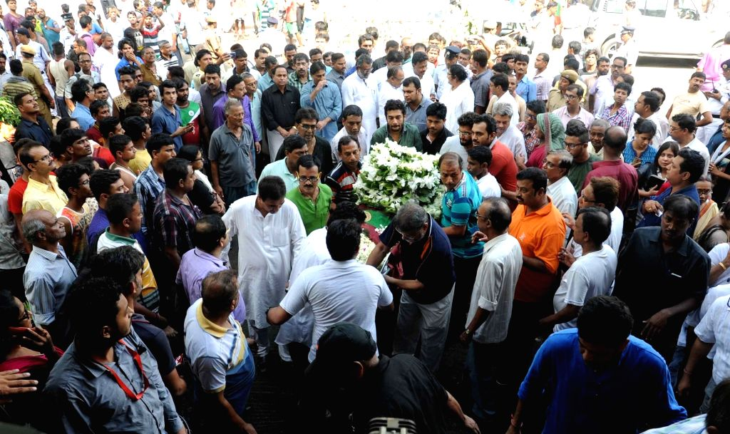 Last rites of former football coach Amal Dutta underway in Kolkata on July 11, 2016.