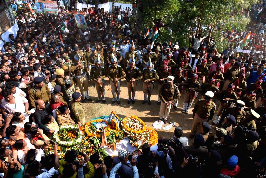 Last rites of martyr Sanjay Kumar Sinha, one of the 49 CRPF personnel killed in 14 Feb militant attacks, underway in Masurhai, Patna district, Bihar on Feb 16, 2019. - Sanjay Kumar Sinha