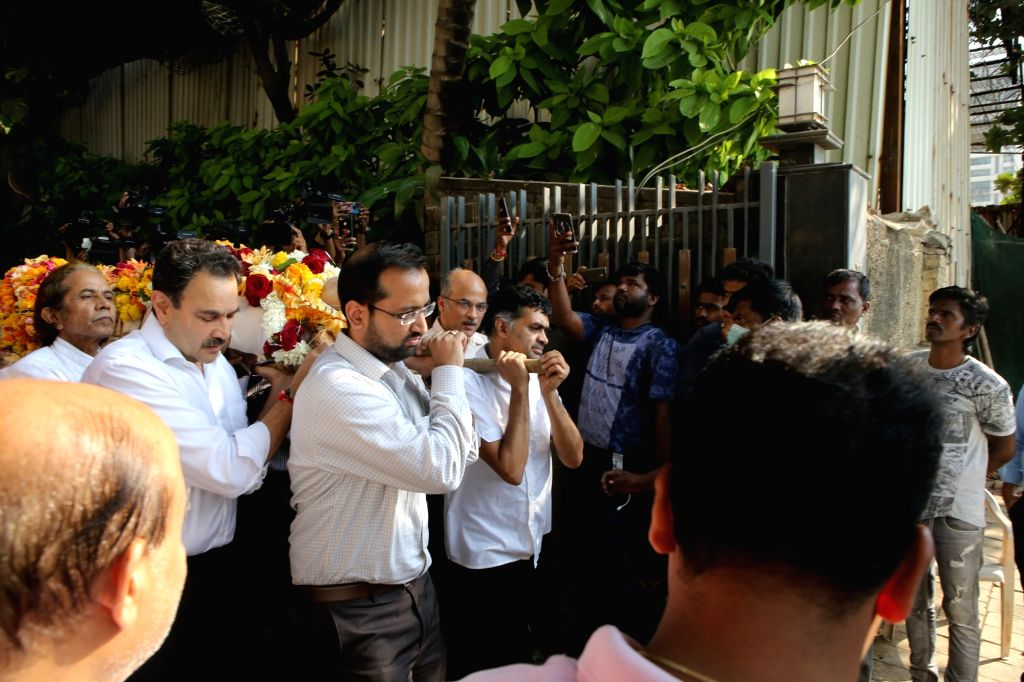 Last rites of Raj Kumar Barjatya underway in Mumbai on Feb 21, 2019. - Kumar Barjatya