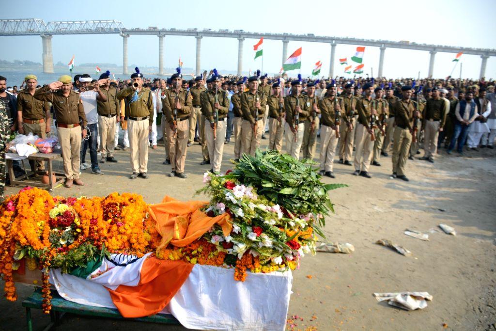 Last rites of Ramesh Yadav one of the 45 CRPF personnel killed in 14 Feb Pulwama attack underway in Uttar Pradesh's Varanasi, on Feb 16, 2019. - Ramesh Yadav