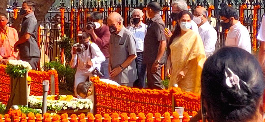 Late Shivsena Supremo Balasaheb Thackeray death anniversary on occasion Chief Minister prey tribute
