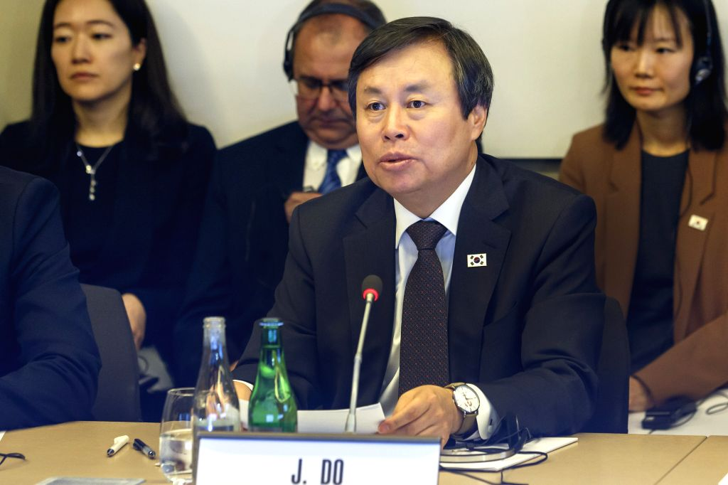LAUSANNE, Feb. 16, 2019 - Do Jong-hwan, minister of culture, sports and tourism of South Korea, speaks during a tripartite meeting at the headquarters of the International Olympic Committee (IOC) in ...