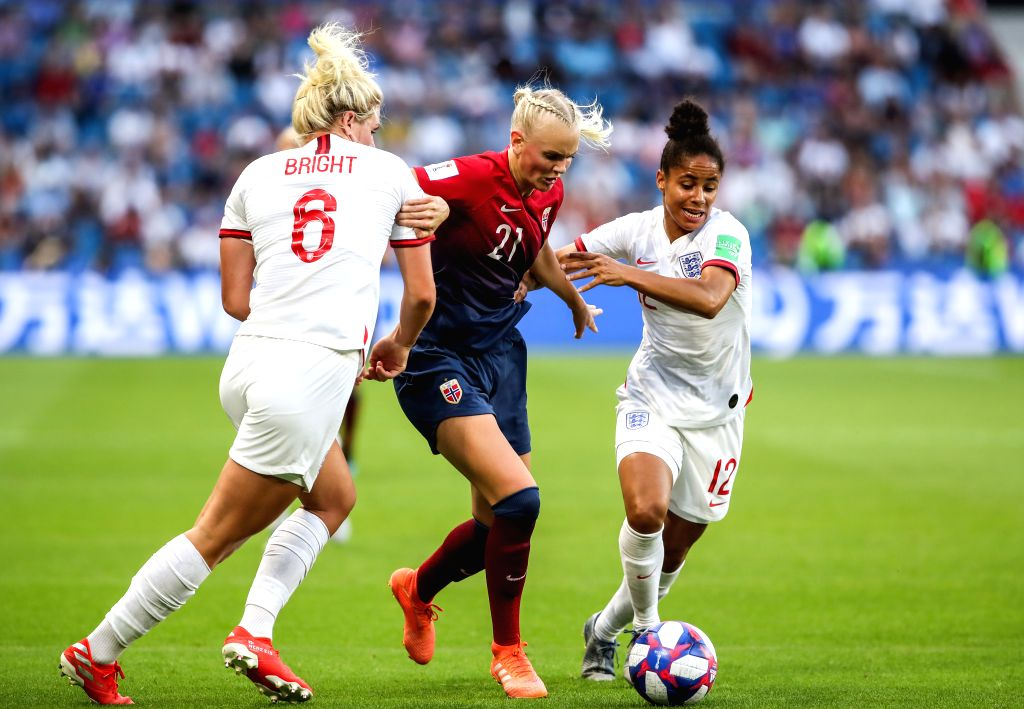 LE HAVRE (FRANCE), June 28, 2019 (Xinhua) -- Karina Saevik (C) of Norway vies with Demi Stokes (R) and Millie Bright of England during the quarterfinal between England and Norway at the 2019 FIFA Women's World Cup in Le Havre, France, on June 27, 201