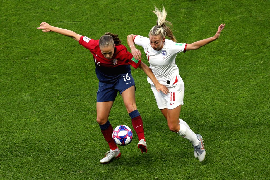 LE HAVRE (FRANCE), June 28, 2019 (Xinhua) -- Toni Duggan (R) of England vies with Guro Reiten of Norway during the quarterfinal between England and Norway at the 2019 FIFA Women's World Cup in Le Havre, France, on June 27, 2019. England won 3-0. (Xin