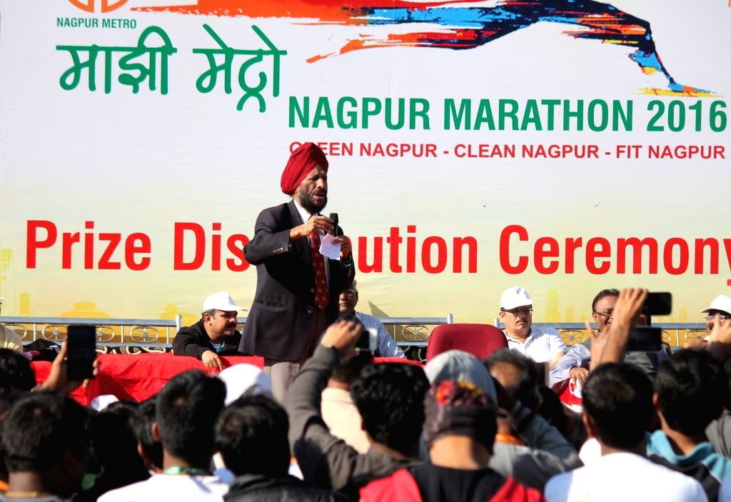 Legendary athlete Milkha Singh during prize distribution ceremony of Nagpur Marathon 2016 on Nov 27, 2016. - Milkha Singh