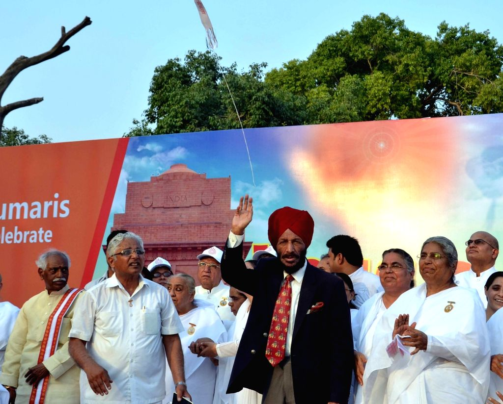 "Legendary runner Milkha Singh during the ""Yoga Run for Peace & Unity""  - a mini-marathon at India Gate to Rajpath in New Delhi on June 18, 2016. - Milkha Singh"