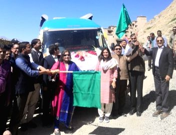 Leh: Union MoS Culture and Tourism (Independent charge) Prahlad Singh Patel flags off the first ever Mobile Science Exhibition (SCIENCE EXPLORER) of National Council of Science Museums (NCSM) for the entire Ladakh Region in Leh on Sep 5, 2019. (Photo - Prahlad Singh Patel