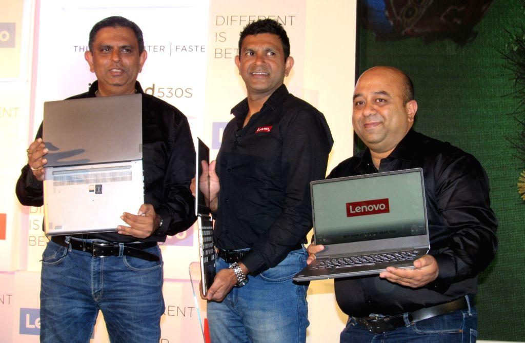 Lenovo India MD and CEO Rahul Agarwal (C). (Photo: IANS)