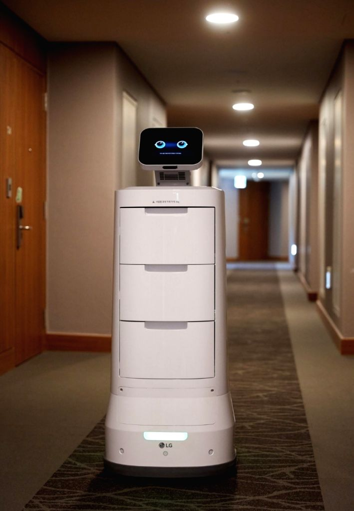 LG Cloi Servebot that can carry up to 15 kgs of items in its three drawers.