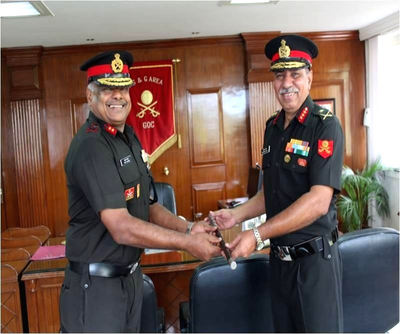 Lieutenant General Vishwambhar Singh, took over as General Officer Commanding, Maharashtra, Gujarat & Goa Area from Major General Anuj Mathur in Mumbai on May 29, 2017. - General Vishwambhar Singh