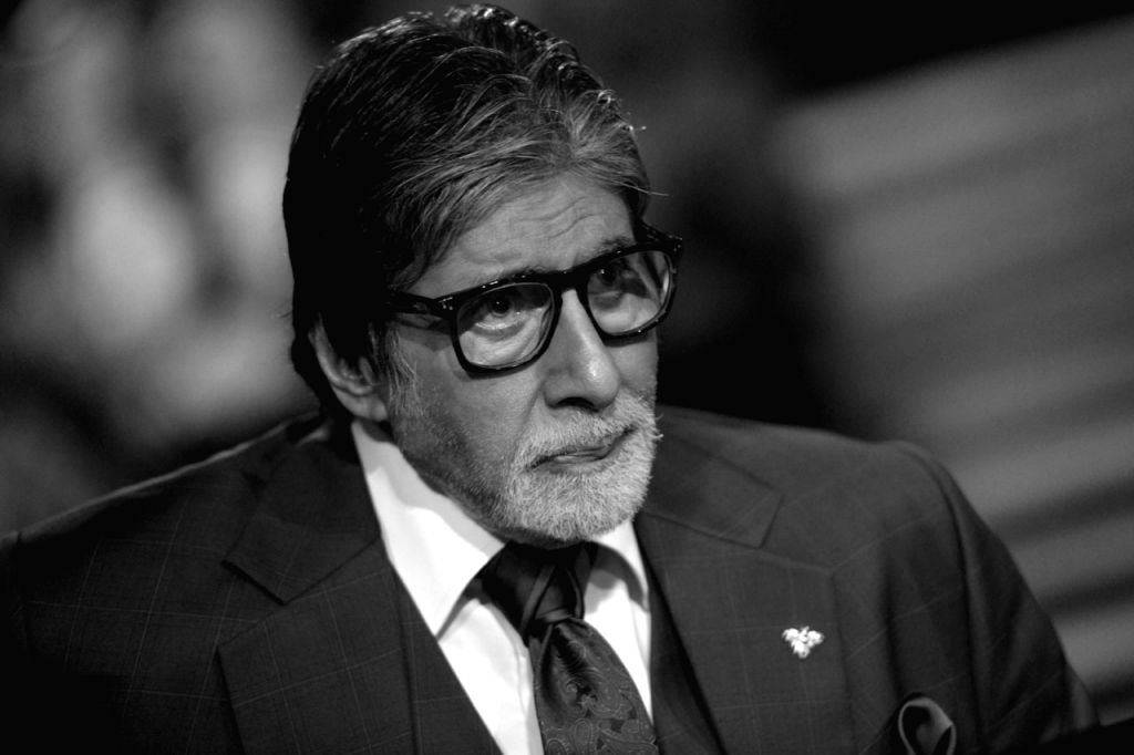 Life never gives up and urges one to never give up easily. That's the quality of life, says Amitabh Bachchan. The Bollywood veteran, who was not long ago discharged from a Mumbai hospital, has penned his thoughts about life on his blog. - Amitabh Bachchan