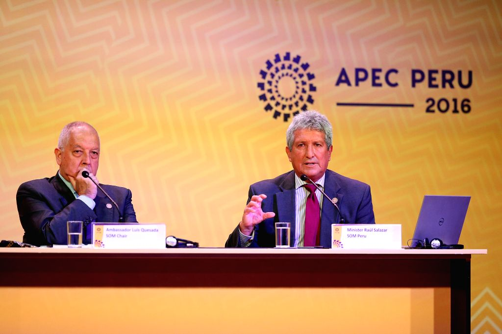 LIMA, Nov. 16, 2016 - Raul Salazar (R), a senior official of Peru to Asia Pacific Economic Cooperation (APEC), and Luis Quesada, Chair of 2016 APEC Senior Officials, attend a press conference for the ...