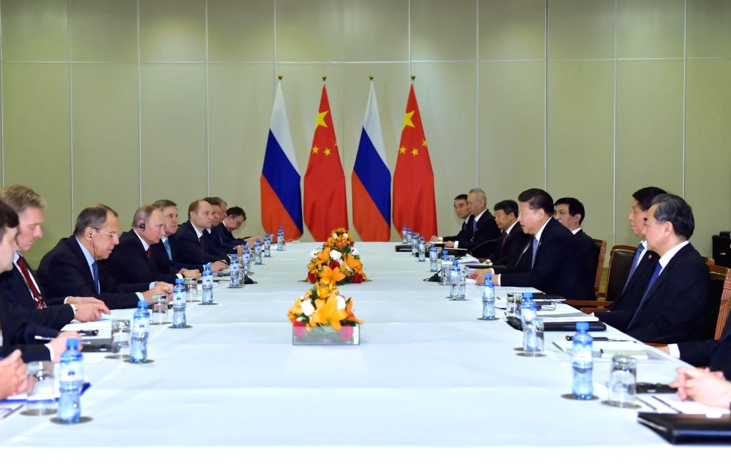 LIMA, Nov. 19, 2016 - Chinese President Xi Jinping meets with his Russian counterpart Vladimir Putin in Lima, Peru, Nov. 19, 2016.