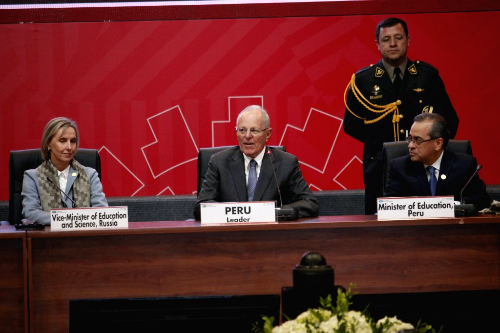 LIMA, Oct. 7, 2016 - Peruvian President Pedro Pablo Kuczynski (C) participates in the closing ceremony of the 6th Asia-Pacific Economic Cooperation (APEC) Education Ministerial Meeting in Lima, Peru, ...