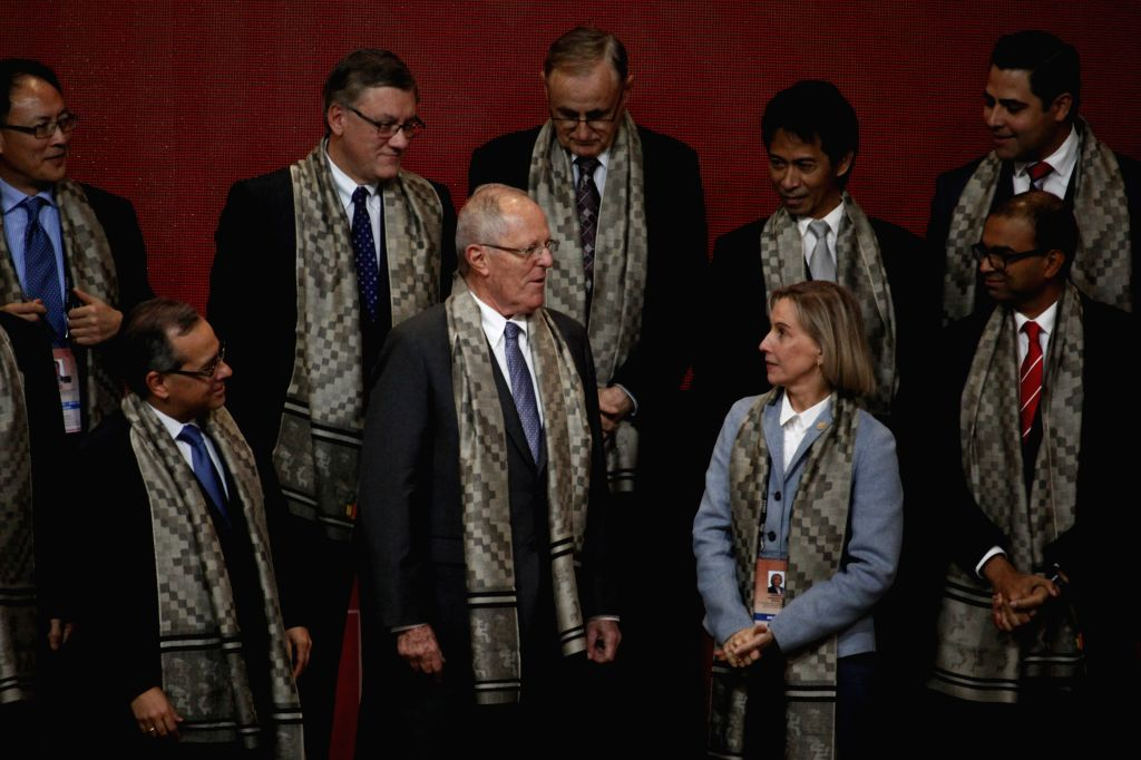 LIMA, Oct. 7, 2016 - Peruvian President Pedro Pablo Kuczynski (2nd L, front) and delegates participate in the closing ceremony of the 6th Asia-Pacific Economic Cooperation (APEC) Education ...