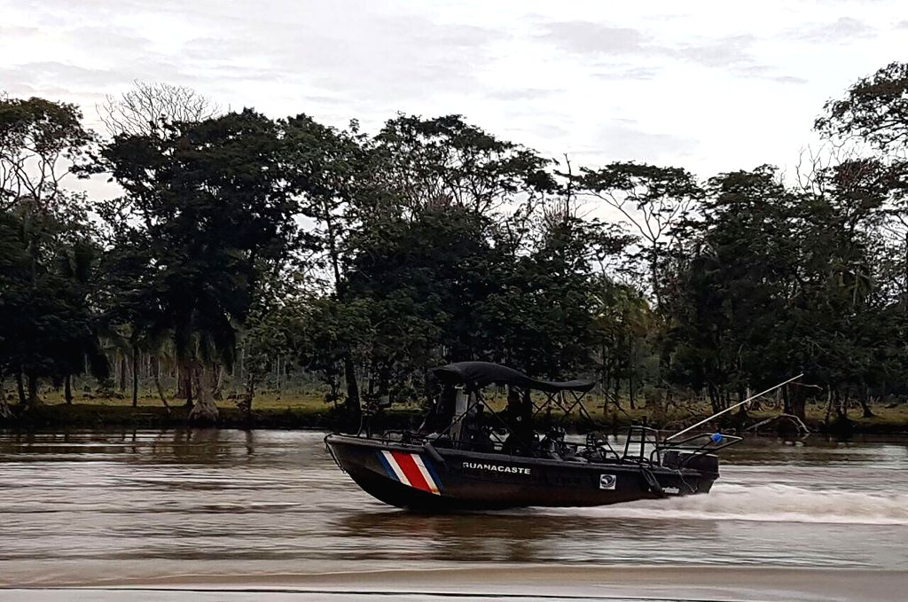 LIMON, Nov. 23, 2016 - Image provided by the Presidency of Costa Rica shows Public Force personnel taking part in an evacuation in the province of Limon, Costa Rica, on Nov. 22, 2016. Costa Rica's ...